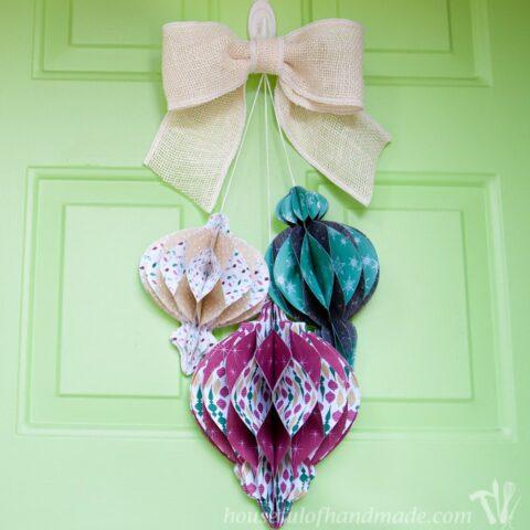 DIY-Giant-Paper-Ornament-Christmas-Wreath